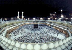 فضل مكة وشرف قبر النبي.. الإفتاء توضح