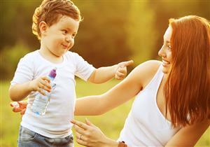 هل اللسان المربوط عند الأطفال يؤثر على النطق؟