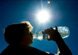 """""""الأرصاد"""": الحرارة تصل إلى 37 درجة.. وعلى كل مواطن اصطحاب زجاجة مياه"""