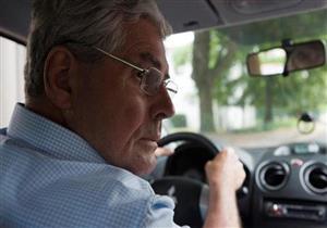 في الشيخوخة.. ما الذي يجب مراعاته عند قيادة السيارة؟