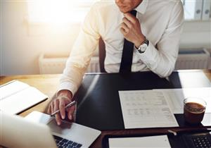 دراسة حديثة تكشف: العمل 10 ساعات يوميًا يصيبك بالسكتة الدماغية