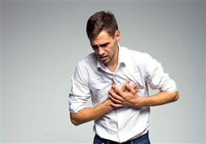 ما العلاقة بين انتفاخ القولون واضطراب ضربات القلب؟