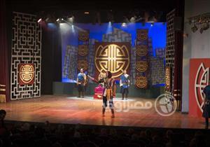 """افتتاح """"حدث في بلاد السعادة"""" على مسرح السلام (صور)"""