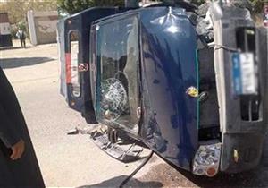 إصابة أمين شرطة ومجندين في حادث تصادم بأسوان