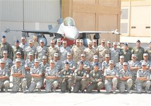 """المتحدث العسكري ينشر فيديو تفقد وزير الدفاع تدريبات """"النجم الساطع"""""""
