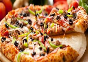 طريقة عمل البيتزا الإيطالية الشهية في المنزل