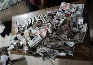 بالصور- مسعف وسائق يسلمان 800 ألف جنيه عثرا عليها في حادث بكفر الشيخ