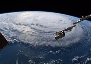 """بالفيديو والصور.. """"ناسا"""" تنشر لقطات لإعصار فلورنسا من الفضاء"""