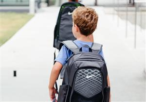 لتجنبي طفلك مشاكل الظهر.. إليكِ المواصفات الصحية للحقيبة المدرسية
