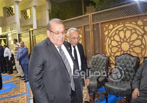 بالصور.. رئيس مجلس النواب يشارك في عزاء شقيقة حسن راتب