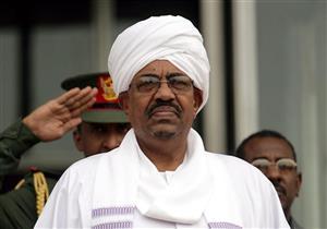 الرئيس السوداني يقرر تكليف رئيس الوزراء بحقيبة المالية