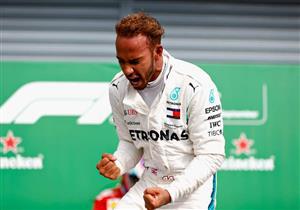 """هاميلتون يفوز بسباق الجائزة الكبرى """"فورمولا-1"""" السنغافوري"""