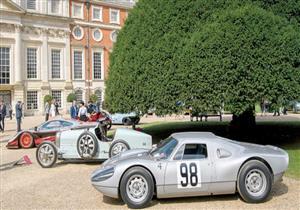 """1000 سيارة تاريخية تجمعت في ساحة قصر """"هامتون""""  في لندن"""