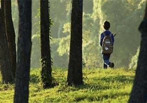 """""""بلل سرواله"""".. زوجان يعاقبان طفلهما بتركه في الغابة"""