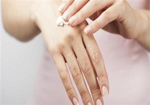 منها نزع شعر الجسم بطريقة خاطئة.. 10 أسباب لجفاف الجلد