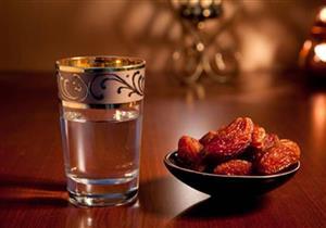 صيام رمضان مفيد لمرضى السمنة.. 15 شخصًا يخضعون للاختبار