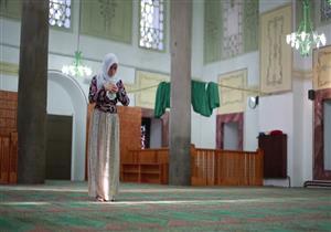 """موعد طهارة المرأة من الحيض والاستعداد للصلاة.. """"البحوث الإسلامية"""" يوضح"""