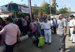 """بالصور- الداخلية تواصل تنظيم أسواق """"كلنا واحد"""" للمواطنين"""