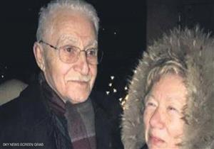 """طعنها في القلب وانتحر.. مسن 85 عاما يقتل زوجته 76 عاما بسبب """"فيس بوك"""""""