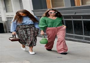 بالصور-الأكسسوارات الغريبة تسيطر على الإطلالات في شوارع لندن