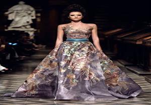 """ريا أبي راشد بسيطة في """"الجونة"""" بفستان من مجموعة ميمو للمصمم العالمي روبير أبي نادر"""