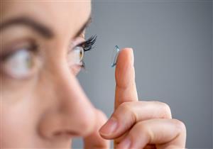 تحذير: العدسات اللاصقة تسبب العمى