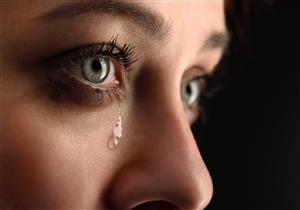 تبكي من عين واحدة فقط؟.. إليك السبب