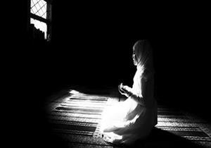 من أدعية جَوف الّليل: اللهم إني أنزل بك حاجتي وإن ضعف رأيي وقصر عملي وافتقرت إلى رحمتك