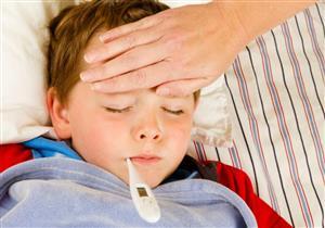 الاستخدام العشوائي لخافض الحرارة يضر كبد الطفل.. اتبعي هذه النصائح