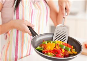 هل تقل القيمة الغذائية للخضروات والفواكه عند تقطيعها؟