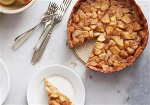 لإفطار لذيذ وصحي.. جربوا فطيرة الشوفان بالتفاح