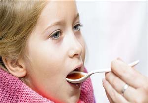 أضرارها خطيرة.. هل ترتكب هذه الأخطاء عند إعطاء طفلك الدواء؟