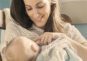 هل الرضاعة الطبيعية ممكنة للطفل المصاب بحساسية الألبان؟