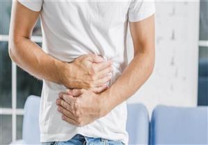 منها ألم المعدة.. 7 أعراض تنذرك بسرطان الأمعاء