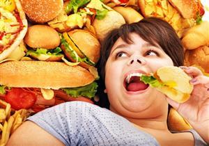دراسة تكشف علاقة الأنف بتناول الأطعمة غير الصحية عند المرض