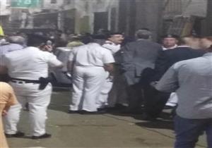 """""""كانوا نايمين"""".. مصرع شاب وإنقاذ 3 في انهيار عقار بالإسكندرية (صور)"""