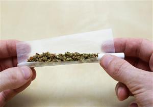 دراسة جديدة: تدخينك للحشيش يهدد زوجتكَ بالإجهاض