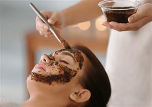 لإزالة الجلد الميت وتنظيف البشرة.. 5 وصفات طبيعية لمقشر القهوة
