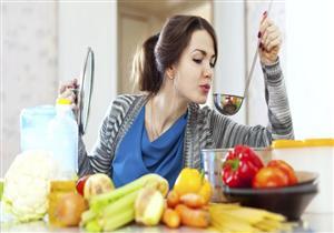 تسبب زيادة الوزن.. 5 أخطاء لاتفعلها أثناء الطهي (صور)