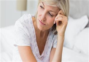 أبرزها زيادة الوزن..7 أعراض تنذِرك باقتراب سن اليأس