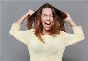 """متلازمة """"رابونزيل"""".. إليك كل ما تريد معرفته عن اضطراب أكل الشعر"""