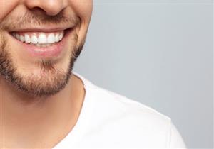 أغربها الفحم.. 7 طرق طبيعية للتخلص من جير الأسنان