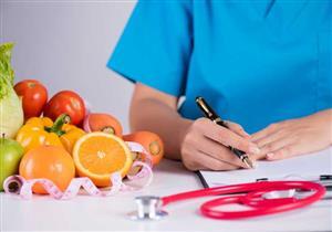 القرفة على رأس القائمة.. 10 أطعمة مفيدة لمرضى  السكري (إنفوجراف)