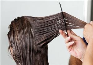 5  طرق للحصول على شعر ناعم بدون تقصف (صور)