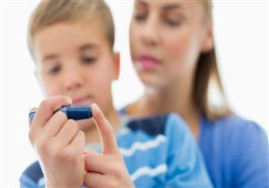 للأمهات.. دليلِك للتعامل مع طفلِك المصاب بالسكري