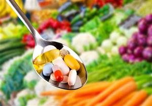 قبل أم بعد الوجبات؟.. إليك التوقيت الأمثل لتناول مكملات الفيتامينات