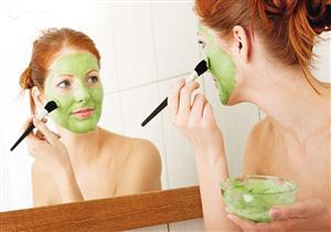 مع غلق صالونات التجميل.. دليلك للعناية ببشرتك قبل العيد