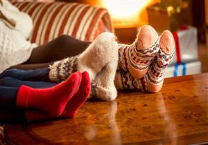 تعاني من برودة القدم في الشتاء.. 5 خطوات للحصول على الدفء