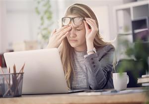 منها النوم بالعدسات اللاصقة.. 5 عادات خاطئة تسبب إجهاد العين