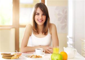 دراسة تكشف الأوقات المناسبة لتناول الطعام لرفع معدل الحرق